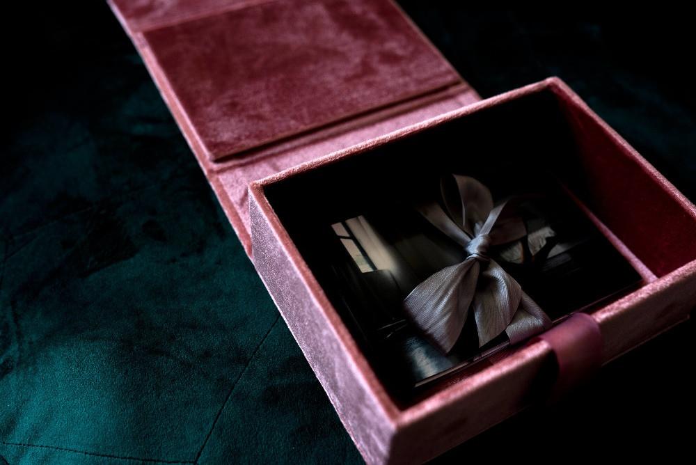 boudoir-product-velvet-box-3.jpg