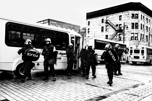 Stoping time, protest, Montreal