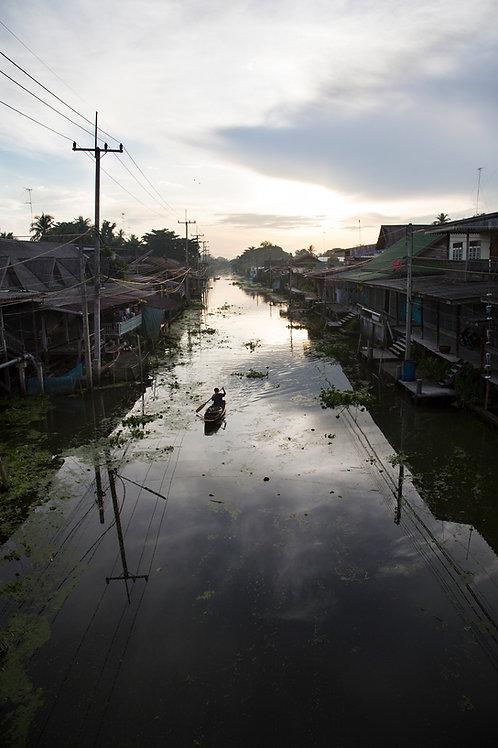 Floating market at dawn