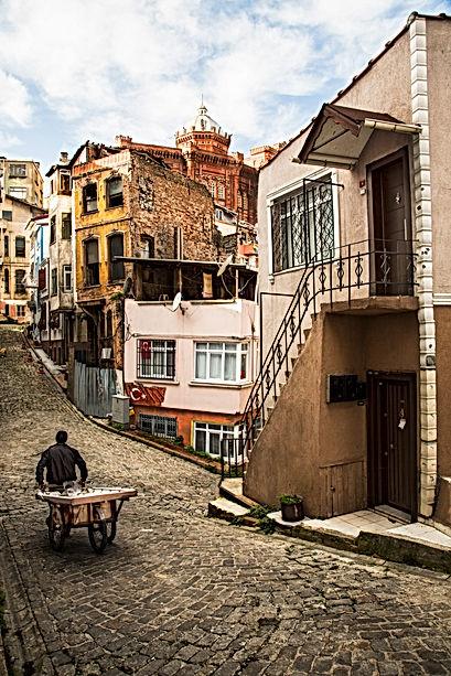 Facing the unknown, Balat, Istanbul, Tur