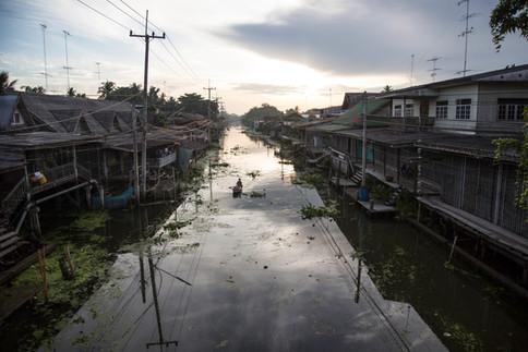Damnoen Saduak floating market at dawn, Thailand, 2015