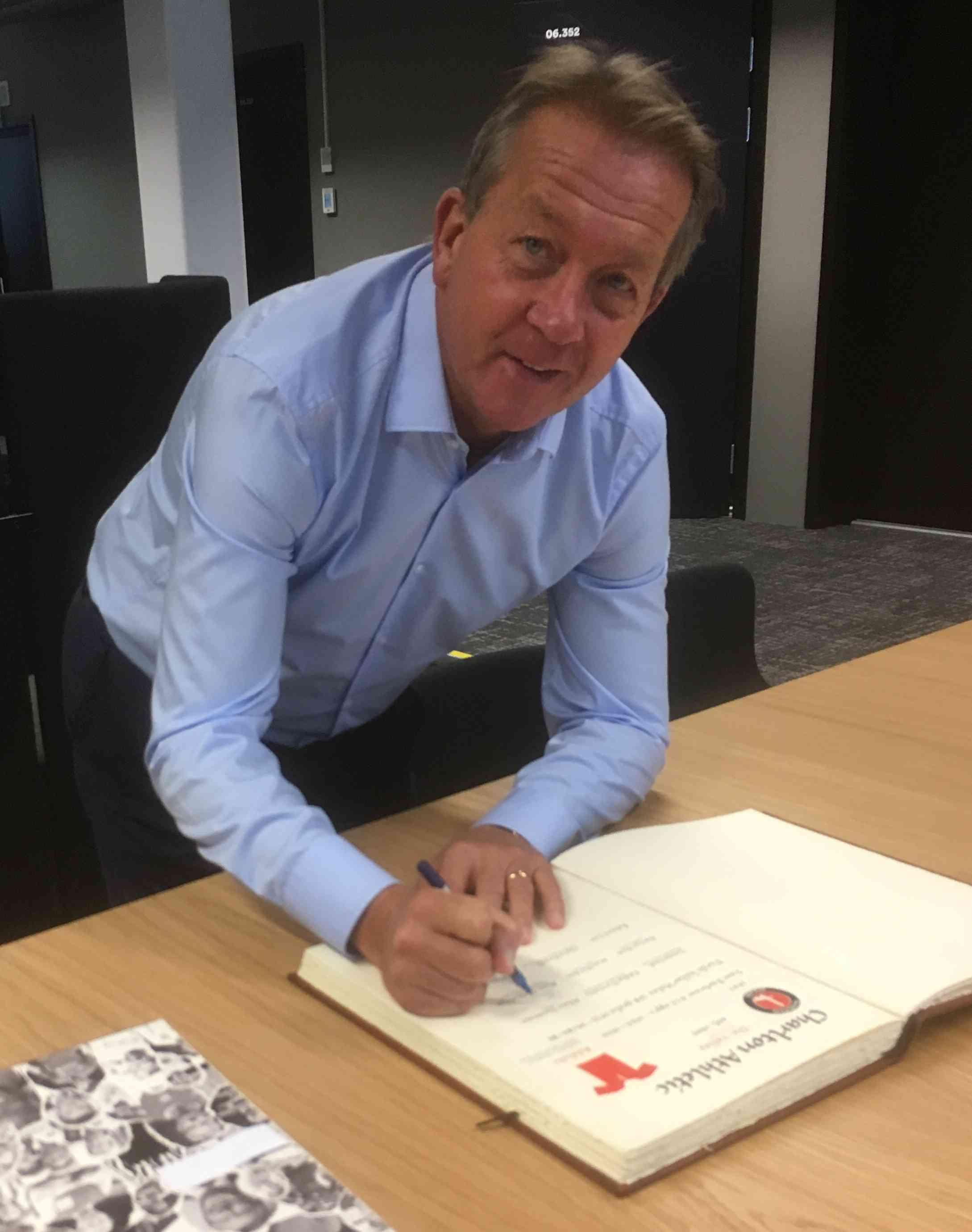 Charlton's managerlegend signed my book: Alan Curbishley