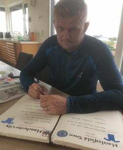 Alf-Inge Håland har signert!