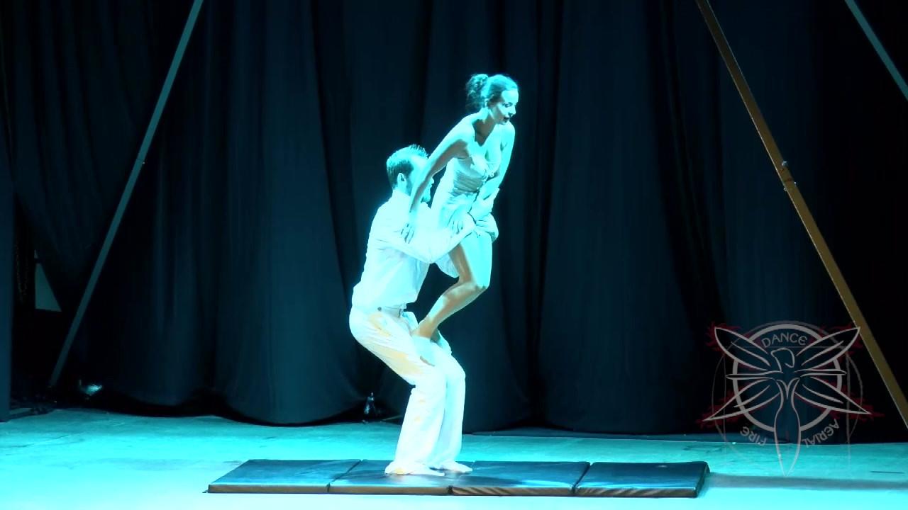 Clip-Circus-Acrobatics-Tybee-HD 720p-1.m