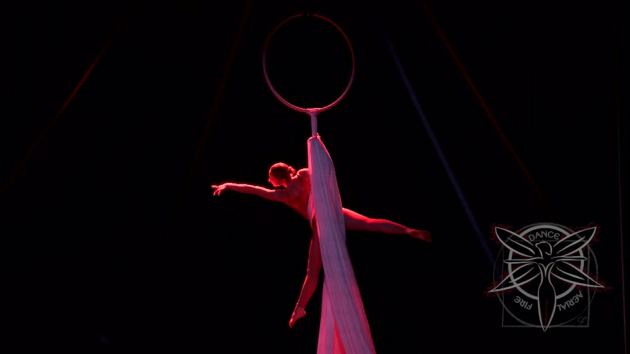Clip-Circus-Lyra-Tails-Tybee-HD 720p.mov