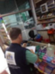 pmf fiscaliza supermercados.jpg
