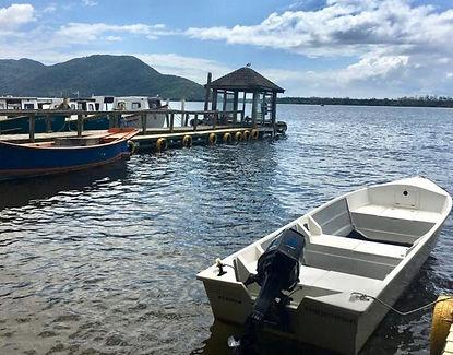 transporte lacustre barcos costa da lago