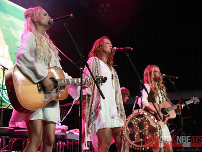 Runaway Angel Perform at CCMA Discovery Showcase