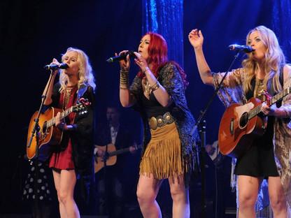 Runaway Angel at CMAO Awards 2016