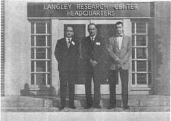 Prof. Michele Sirinian, Ing. Gennaro Orsi e Dr. Bud English (NASA-LRC), 1964
