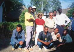 Campo Base Tom Parisi con studenti universitari Kenyoti-Visitatori-