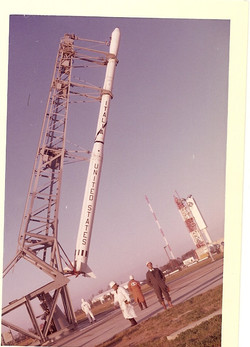 Scout S-137R going vertical at Wallops Island, December 1964.jpg