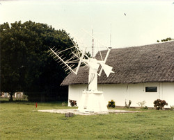 VHF Antenna System, Mobile Italian Tracking Station, San Marco Project, Base Camp.jpg