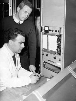 CRA Roma Tom Parisi al vibratore(San Marco Satellite vibration checks