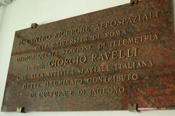Targa commemorativa Prof. Ravelli.JPG