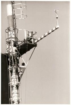 Torre anemometrica su piattaforma S. Marco.jpg