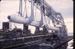 Squadra di Ugo Di Girolamo al lavoro sul lanciatore - 1967.jpg