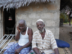 Mohamed Aweso and Lali Mohamed, lavoratori locali, 2013