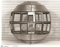 Guscio del satellite SM-5 (D-L) senza finestrelle di mica, 1983 (1 di 2).jpg