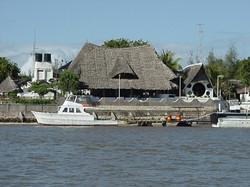 Motobarca Gemini, veranda e cappella.JPG