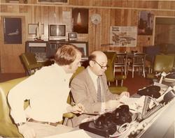Silvano Traina (con occhiali) al lavoro - Wallops Island 1982