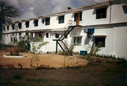 Retro edificio ''Serpentone'', ottobre 1984.jpg
