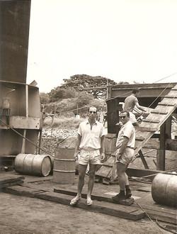U. Tricarico e V. De Vittoris sulla San Marco in cantiere, MSA 1966