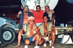 R. Ferdinandi e tecnici NASA festeggiano successo lancio SM-5, Lamu, 1988