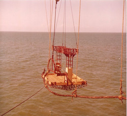 Piattaformina volante 'S. Giuseppe' per rip. cavo sottomarino, 1981.jpg