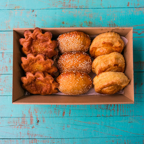 Vietnamese pastry and snack box