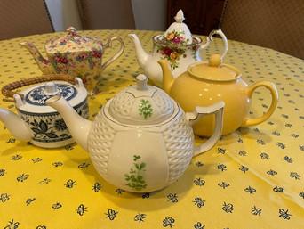 Friday Feast | Cozy Teapots