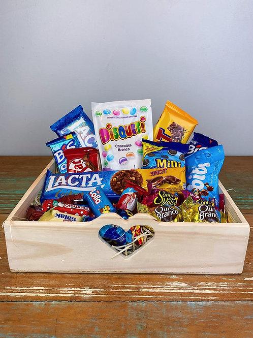 BOX COM CHOCOLATES CORAÇÃO VASADO