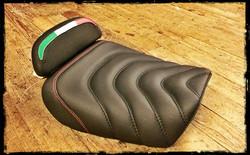 skinass - selles motos - selle motif vert blanc rouge