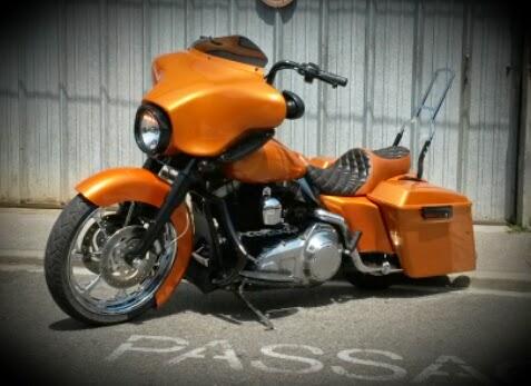 skinass - selles motos - harley road glide jaune
