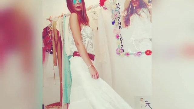 Falda corta larga adlib+top encaje blanco
