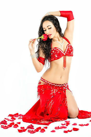 Omaris is an international instructor and multi award winning belly dance artist,dance workshops, omaris at hip expressions, professional bellydancer in tallahassee, hire a professional belly dancer in florida