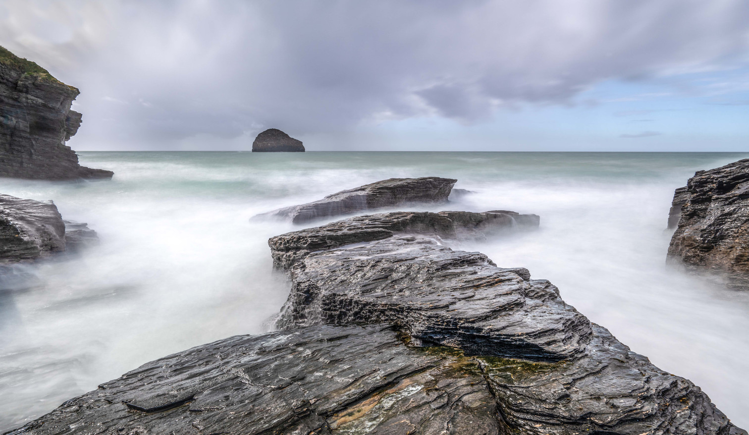 Trebarwith Strand in Gale