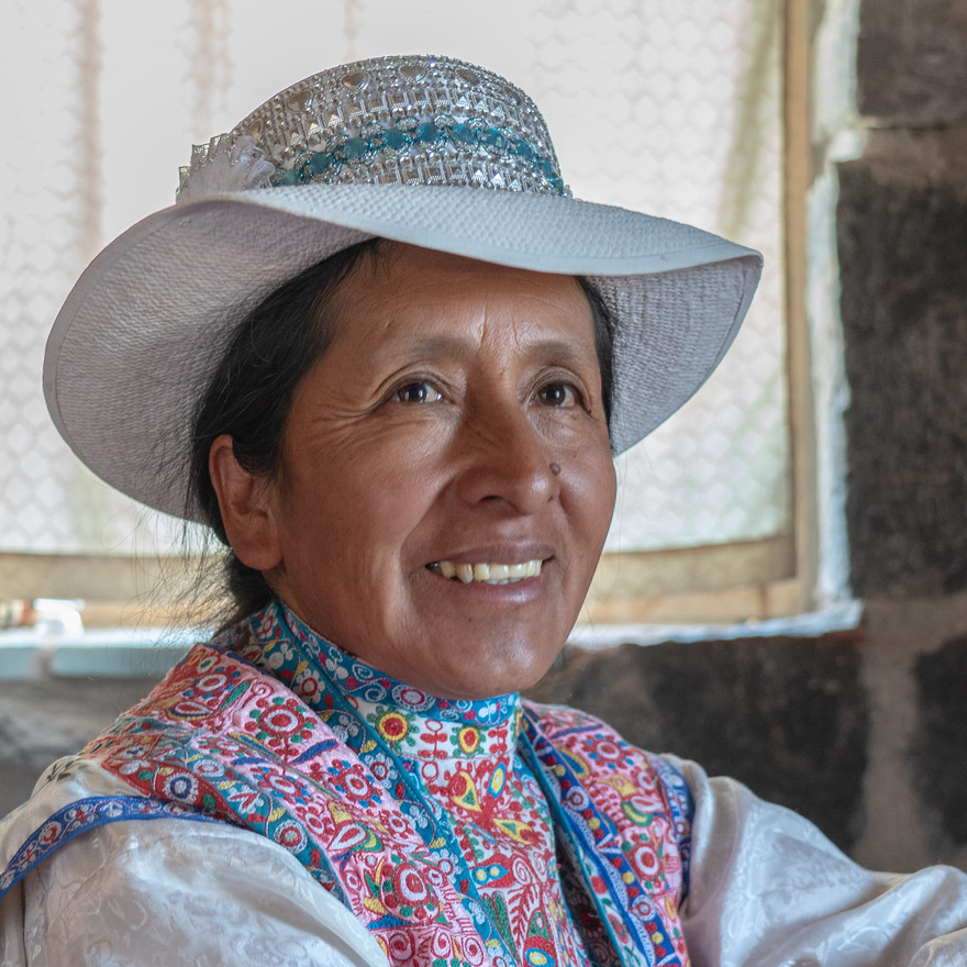 Peruvian Mother of 10