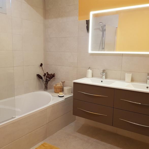Salle de bain de l'olivier, à l'étage