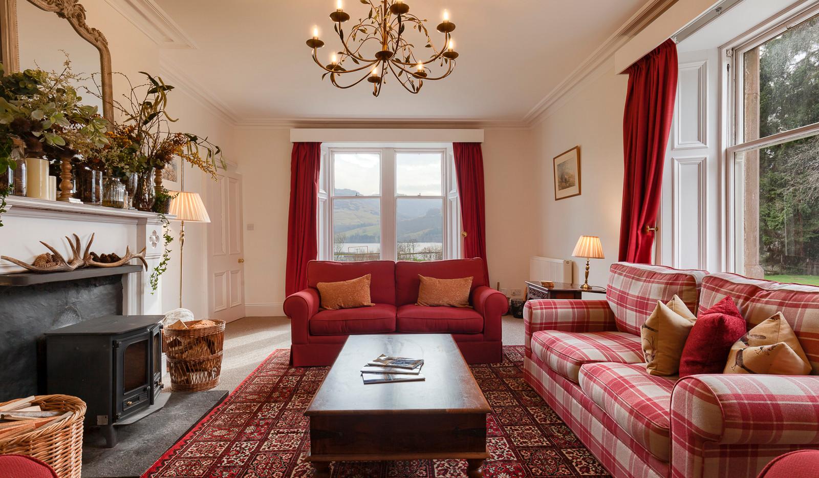 Main lounge Ardveich House