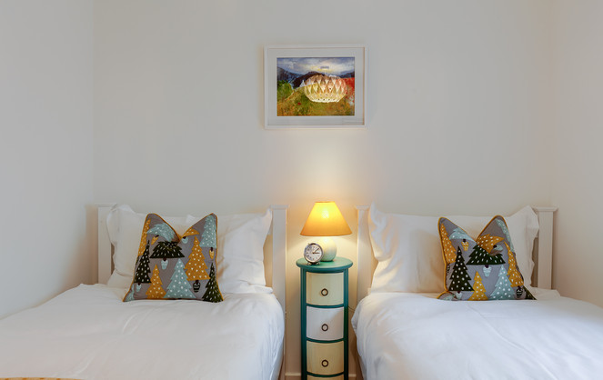 Lower Earnside twin bedroom