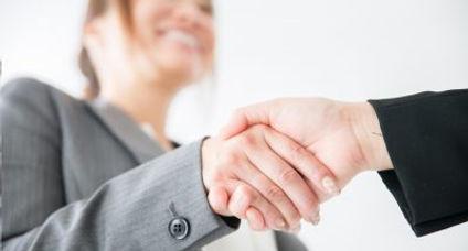派遣期間中に、スタッフが十分なスキルを取得しているか、優秀な人材かどうか検討いただいた上で派遣期間終了後または派遣期間中に正社員として採用を決定する『紹介予定派遣』がご利用いただけます