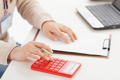 求人誌への広告掲載などの費用の削減、求人の受付や面接の手間も省けます。