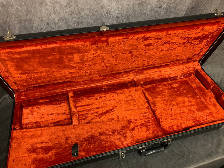 Pre-owned Fender Black Tolex Case