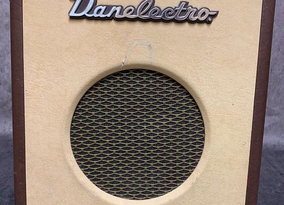 Danelectro Nifty Seventy Bass Amp