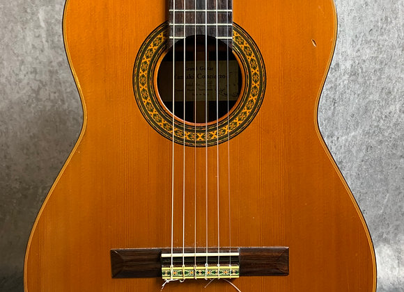 1972 Yamika Concierto Model 200 Classical guitar