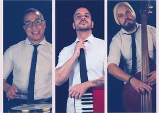 ARTE NA PRAÇA 2 - Banda 4u traz música e elegância à Praça, no sábado 19 de janeiro