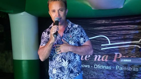 """ALEX JUNIOR foi o primeiro a gravar o sucesso """"Locadora de mulher"""""""