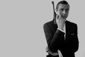 Ator Sean Connery, famoso por interpretar James Bond, morre aos 90 anos