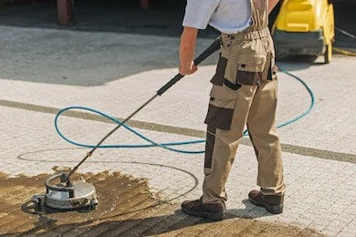 Sidewalks and Driveways Cleaning